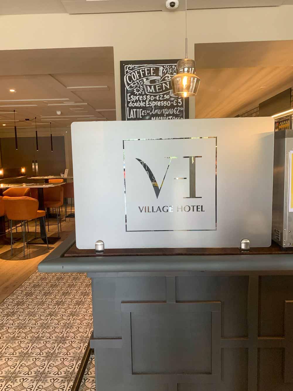 social distancing screens for restaurants