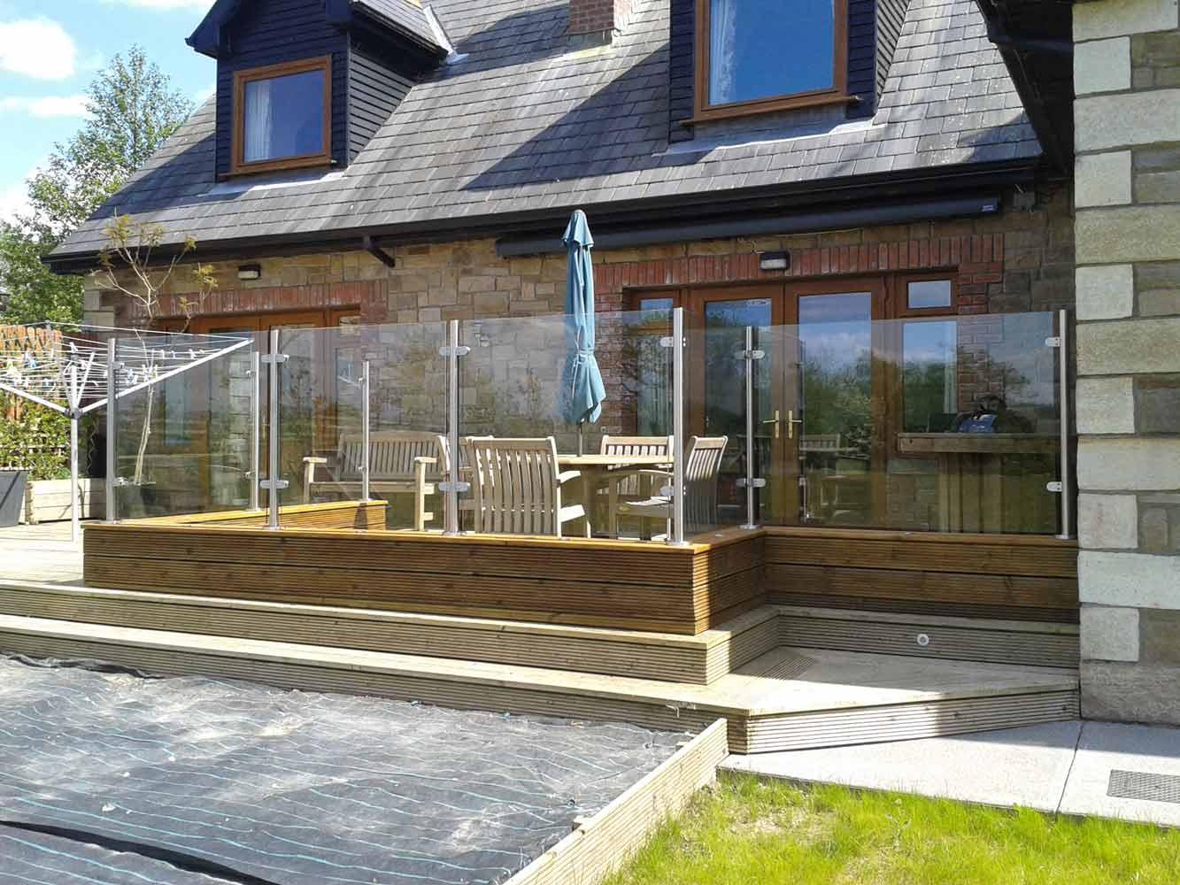 Glass Windbreaks For Deck Outside House